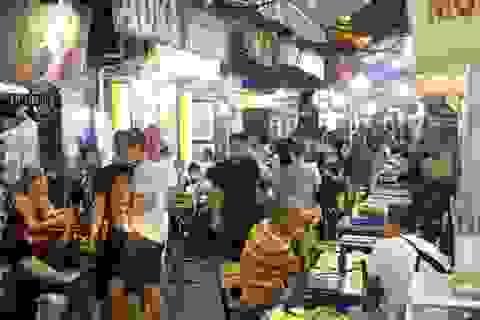 Nhịp sống sôi động ở phố cổ Hà Nội những ngày cuối tuần