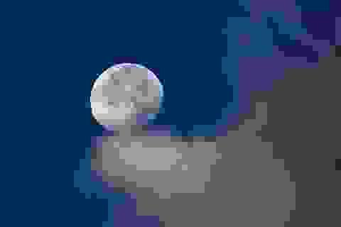 """Trung Quốc sắp dùng """"mặt trăng nhân tạo"""" chiếu sáng thay cho… đèn đường"""