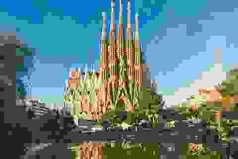 Vương cung thánh đường Sagrada Família được cấp phép xây dựng sau... 136 năm