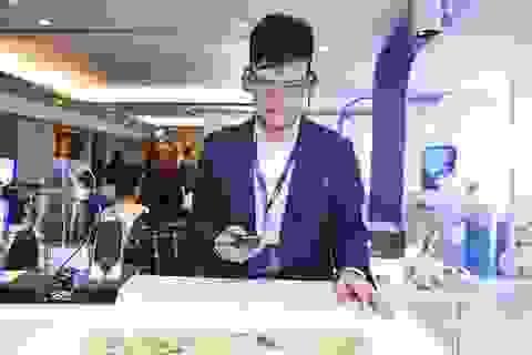 Epson mang kính thông minh Moverio về Việt Nam