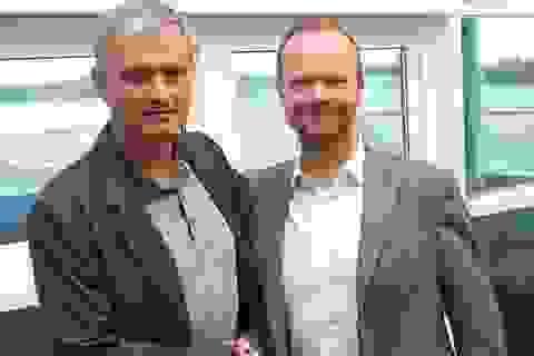 Ba điều Phó chủ tịch Ed Woodward cần làm để cứu Man Utd