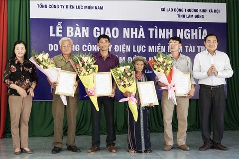 EVN SPC trao 4 căn nhà tình nghĩa cho đồng bào nghèo