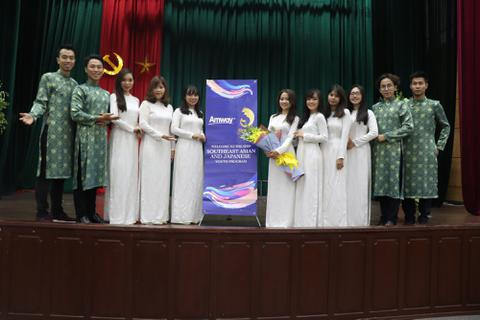 AMWAY Việt Nam là nhà tài trợ kim cương cho đoàn Việt Nam