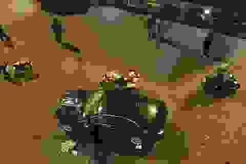 Nữ tài xế lái BMW tông hàng loạt xe đang chờ đèn đỏ, 1 người tử vong
