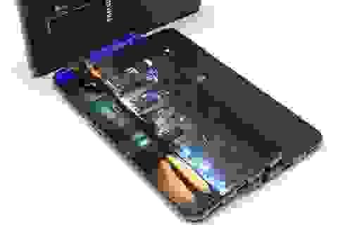 Galaxy S10 sẽ sở hữu màn hình không viền công nghệ mới với thỏi pin lớn