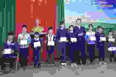 Trao hàng chục suất học bổng và xe đạp cho học sinh nghèo hiếu học tại Lâm Đồng