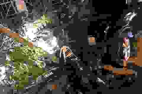 """Phó trưởng Công an thị xã lái ô tô """"đại náo"""" trên phố, 2 người bị thương"""