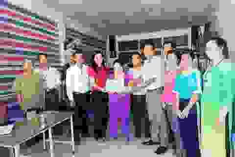 Trao hơn 115 triệu đồng đến gia đình chị Đặng Thị Hồng Anh