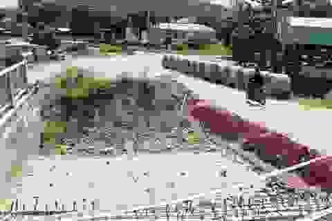 """Thi công đường như """"giăng bẫy"""" khiến người dân bức xúc tại Phú Yên"""
