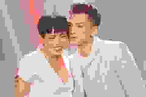 Isaac tình tứ cùng đàn chị Phương Thanh trên sân khấu