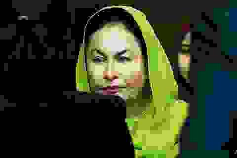 """Người vợ """"nghiện"""" hàng hiệu của cựu Thủ tướng Malaysia bị bắt"""