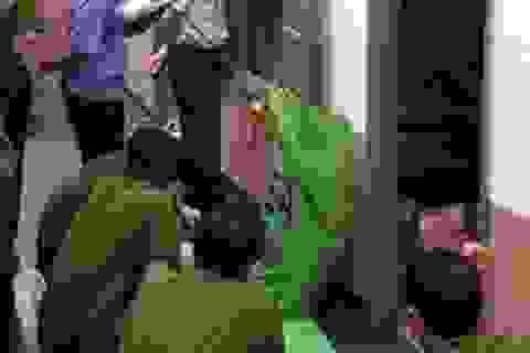 Sát hại nữ chủ nhà rồi lao vào máy cày tự tử