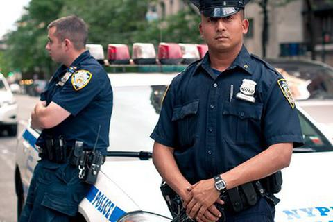 Apple thuê cảnh sát bảo vệ cửa hàng sau hàng loạt vụ trộm iPhone