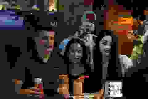 """Phố tây Huế kì thú với những """"bóng ma"""" trong đêm Halloween"""