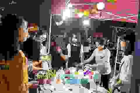 Chưa khai trương, phố đi bộ ở Ninh Bình đã đông nghịt người