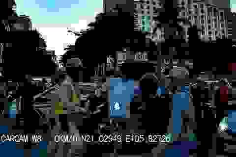 Hà Nội: Tài xế taxi dùng tuýp sắt để giải quyết mâu thuẫn sau va chạm giao thông