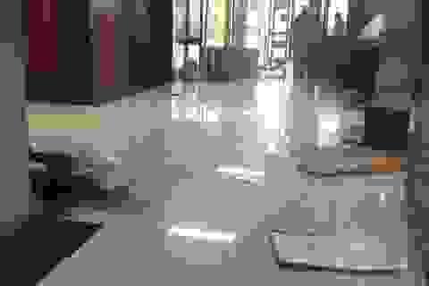 Cảnh sát nước chủ nhà APEC 2018 đập phá nhà Quốc hội đòi tiền lương