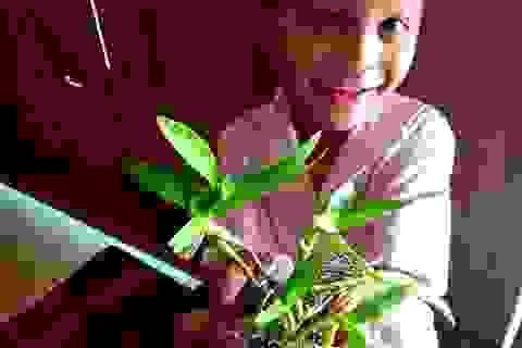 Hồn nhiên những món quà muộn của học sinh vùng cao tặng cô giáo