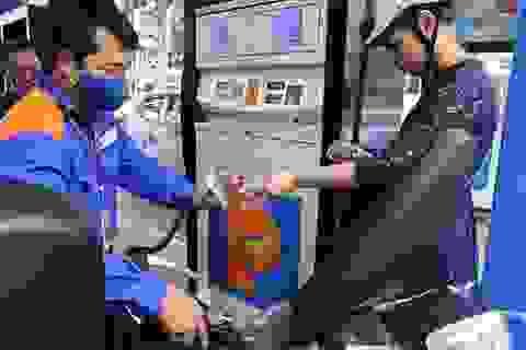 Giá xăng dầu đồng loạt giảm mạnh kể từ 15h chiều nay