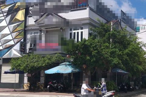 Chủ quán cà phê tá hỏa phát hiện nhân viên treo cổ trên tầng 2