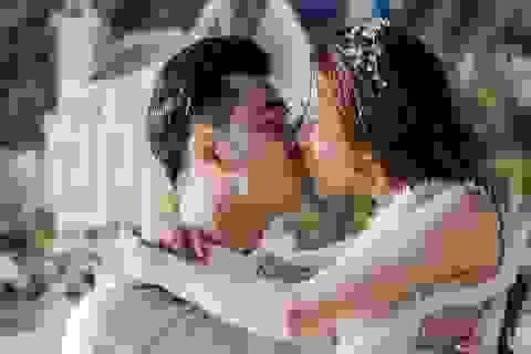 Ưng Hoàng Phúc - Kim Cương tung ảnh cưới đẹp như mơ trên biển
