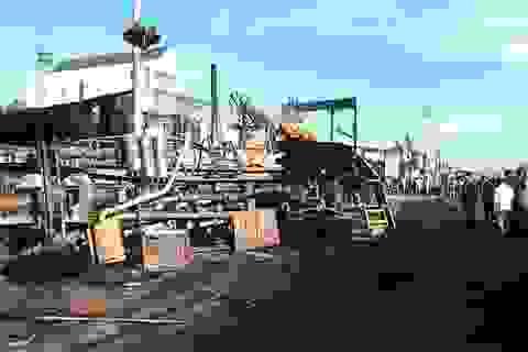 """Vụ xe bồn đổ gây cháy, 6 người tử vong: Xe chở xăng """"phóng"""" gần 100km/h"""
