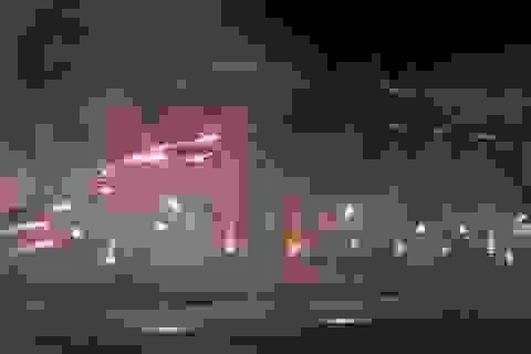 Đại sứ quán Nga ở Ukraine bị ném bom khói giữa lúc căng thẳng