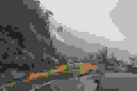 Nhiều tuyến tỉnh lộ tan nát, cửa ngõ miền tây Khánh Hòa bị phong tỏa
