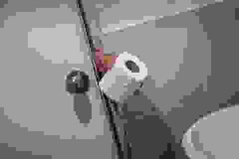 Người đàn ông bị bắt và phạt hơn 40 triệu đồng vì lấy cắp... một cuộn giấy vệ sinh