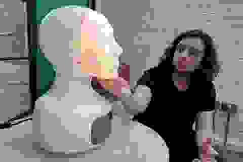 Robot giống người giúp con người cởi mở hơn
