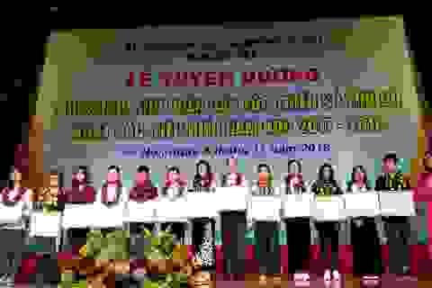 Hà Nội: Tuyên dương 125 học sinh, sinh viên dân tộc thiểu số có thành tích xuất sắc.
