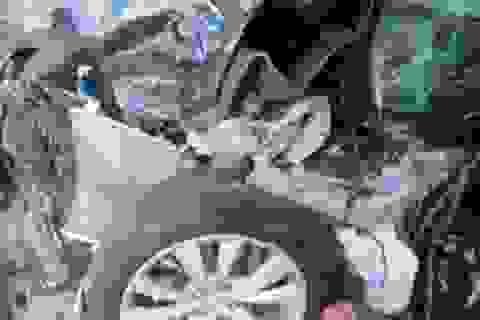 Chủ xe Model S bị tai nạn khởi kiện Tesla