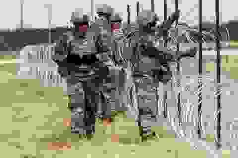 Lầu Năm Góc phản đối dựng trại giữ người nhập cư ở biên giới