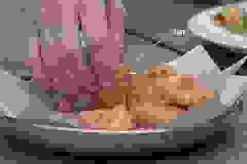 """""""Thịt gà"""" từ phòng thí nghiệm sẽ được bán trong năm 2018"""