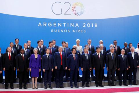 """Những khoảnh khắc """"dở khóc dở cười"""" của các nhà lãnh đạo G20"""