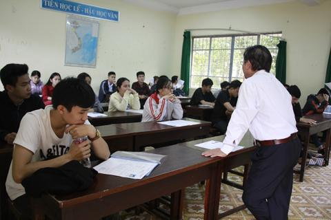 Điều chuyển giáo viên vi phạm dạy thêm, học thêm sang trường có điều kiện khó khăn