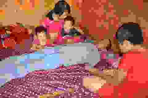 Bố tai nạn thập tử nhất sinh, 4 mẹ con gào khóc trong căn bếp đi ở nhờ