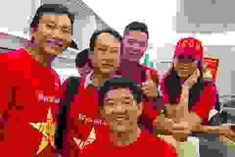 Á hậu Lệ Hằng, Bình Minh, Kiều Linh… sang Malaysia cổ vũ Đội tuyển Việt Nam