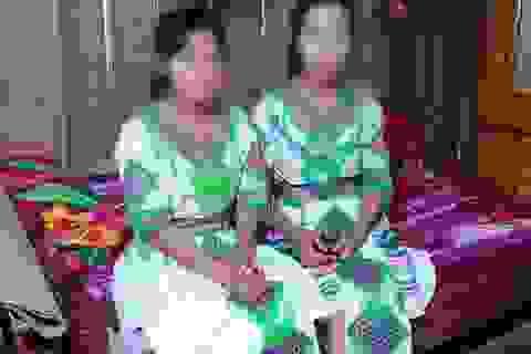 Kẻ buôn người giấu mặt trên Facebook rình rập các cô gái sống sau cổng trời