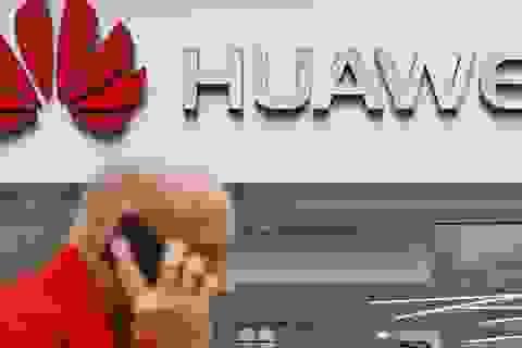"""Vì sao hàng loạt quốc gia nói không với """"gã khổng lồ"""" Huawei?"""