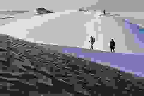 Sa mạc Trung Quốc lạnh âm 25º C, tuyết phủ trắng xóa