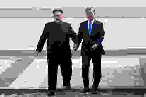 """Sản phẩm làm đẹp ăn theo ông Kim Jong-un """"đắt như tôm tươi"""" ở Hàn Quốc"""
