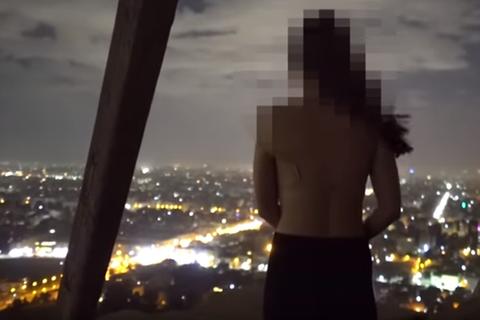 Bắt giữ hai người sau vụ du khách khỏa thân trên Đại kim tự tháp Ai Cập