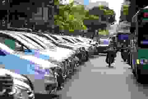 """Đến thời của ô tô, người Việt """"rinh"""" hơn 720 chiếc xế hộp mỗi ngày"""