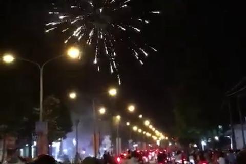 Bắt giữ 22 người đốt pháo ăn mừng sau trận chung kết AFF Cup