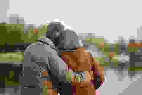 """Muốn hạnh phúc ở tuổi 70, hãy """"yêu"""" hai tuần một lần"""