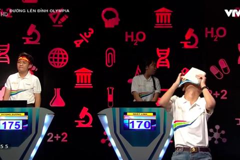 Cuộc thi Tháng Olympia rượt đuổi gay cấn, cả 4 thí sinh đều chọn Ngôi sao hi vọng