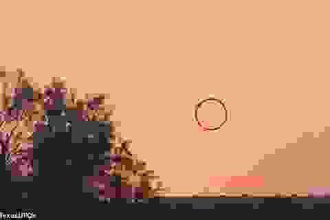 Vật thể lạ nghi UFO hình điếu xì gà xuất hiện trên bầu trời Mỹ