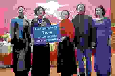 Quỹ Nhân ái trao tặng 100 triệu đồng học bổng đến 20 học sinh nghèo vượt khó tỉnh Phú Thọ