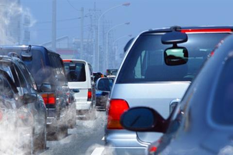 Đi ô tô, xe máy chịu thêm phí khí thải: Bộ Tài chính nói là đề xuất của cử tri!